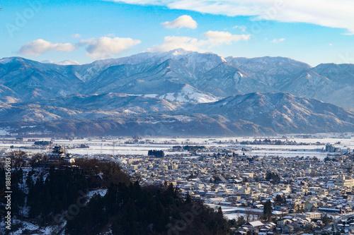 Fotobehang Blauwe jeans 福井県の天空の城越前大野城