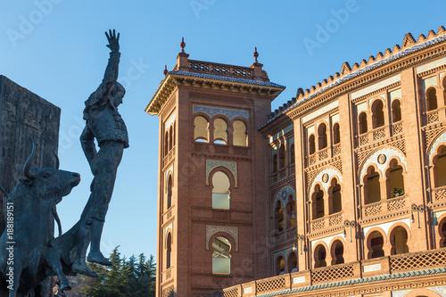 Foto op Aluminium Madrid Madrid Landmark. Bullfighter sculpture in front of Bullfighting arena Plaza de Toros de Las Ventas in Madrid, a touristic sightseeing of Spain.