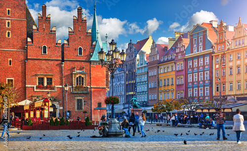 Fototapety, obrazy : Wroclaw central market square with old colourful houses, street