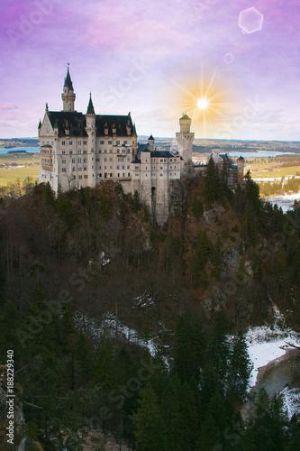 Papiers peints Lilas Splendida alba invernale al castello di Neuschwanstein in Baviera