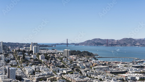 Foto op Aluminium New York Vistas of the Marina district, and Golden Gate bridge from the vantage point of Coit Tower, situated in Telegraph Hill, San Francisco, California, USA