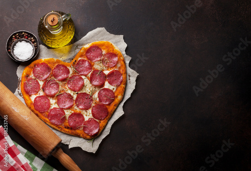 Foto Murales Heart shaped pizza
