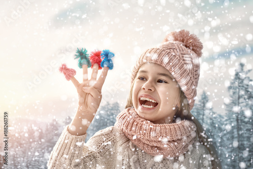 Foto Murales Winter portrait of little girl