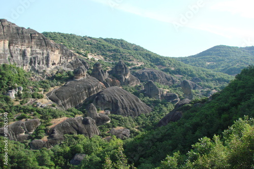 Aluminium Khaki landscape of the rocks of St. Meteors surrounded by mountain forests in the central part of Greece.