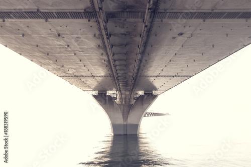 Foto Murales steel construction from under the bridge