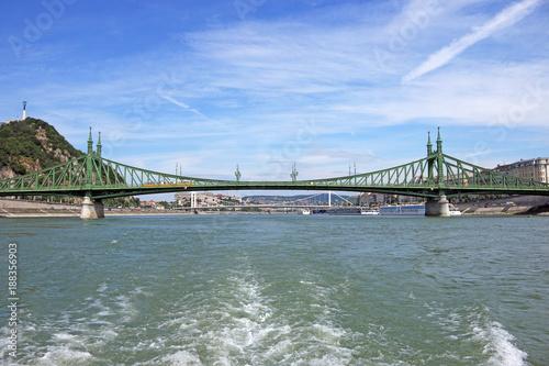 Foto Murales Liberty and Elisabeth bridge on Danube river Budapest city
