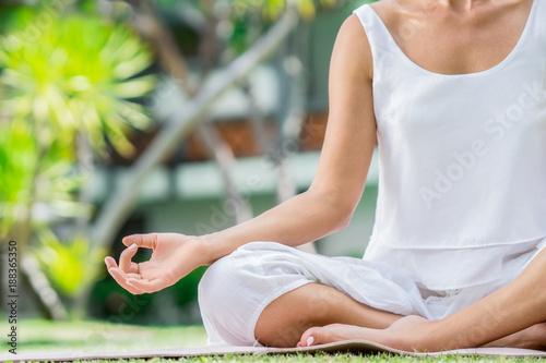 Keuken foto achterwand Natuur Meditation on a lawn