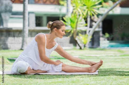 Obraz na płótnie Active woman outdoors