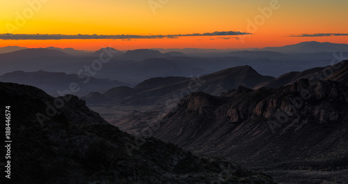 Foto op Plexiglas Ochtendgloren The sun rises over Big Bend National Park, Texas