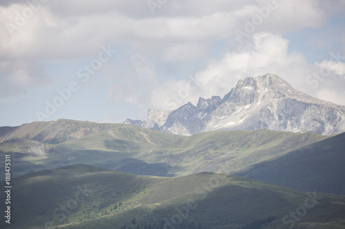 Mountains and clouds - 188475311