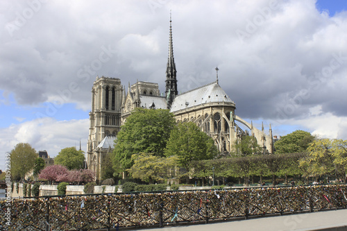 cathedral with locks - 188572339