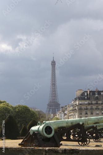 Papiers peints Paris eiffel and canons