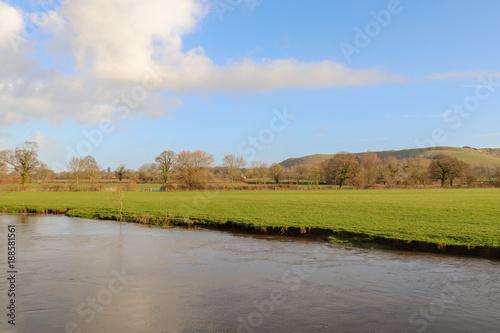 Aluminium Blauwe hemel Countryside Riverbank
