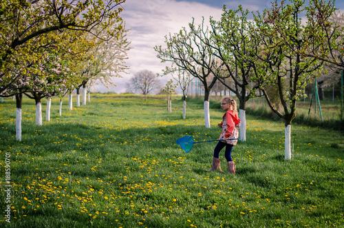 Foto Murales walking in spring garden