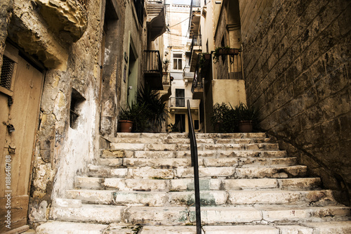 Foto op Canvas Smal steegje Old Streets in Senglea