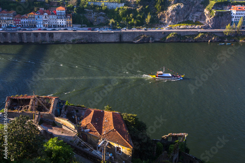 Foto op Canvas Oude verlaten gebouwen Abandoned buildings near the Douro river in the old part of Porto, Portugal.