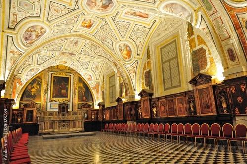 Tuinposter Napels Napoli, Chiesa di Sant'Anna dei Lombardi con Sacrestia del Vasari