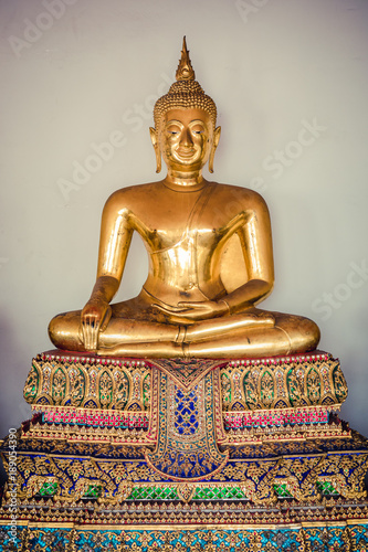 Fotobehang Boeddha golden buddha statue in ( Wat Pho ) temple of Bangkok in Thailand