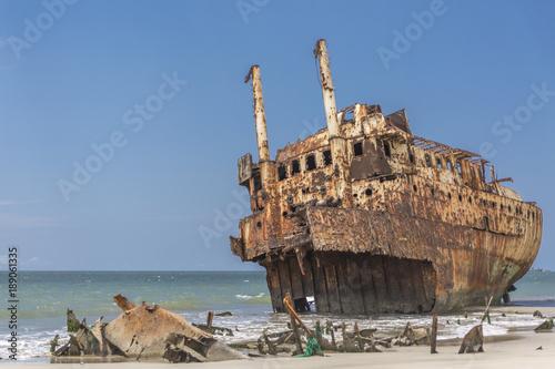Fotobehang Schip ship cemetery in Luanda Angola