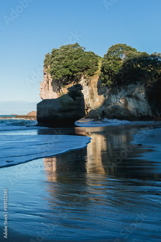 Foto op Canvas Cathedral Cove Cathedral Cove in Coromandel Peninsula, New Zealand