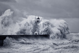 Stormy big waves - 189217104