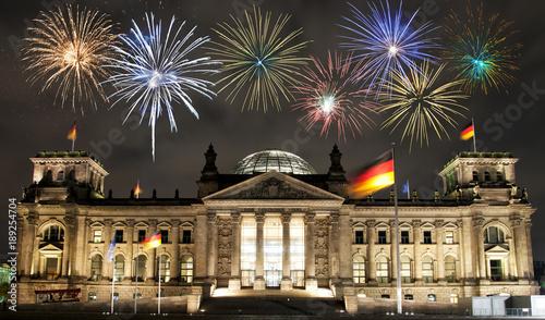 Fotobehang Berlijn Fireworks over Berlin Parliament (Reichstag), Germany