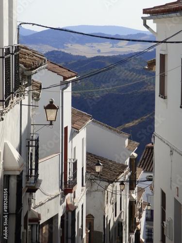 Olvera, pueblo de Cádiz, en la comunidad autónoma de Andalucía (España) incluido en la comarca de la Sierra de Cádiz, y dentro del partido judicial de Arcos de la Frontera © VEOy.com