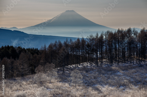 Keuken foto achterwand Nachtblauw 霧ヶ峰高原から夜明けの富士山