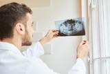 Radiologe und Zahnarzt