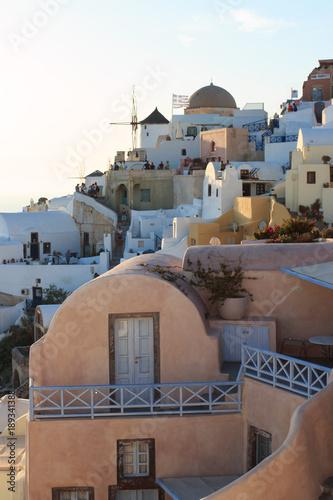 Foto op Canvas Santorini villaggio di Oia al tramonto - isola di Santorini, Grecia