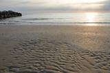 Einsamer Sandstrand am Morgen an der adriatischen Küste - 189387389