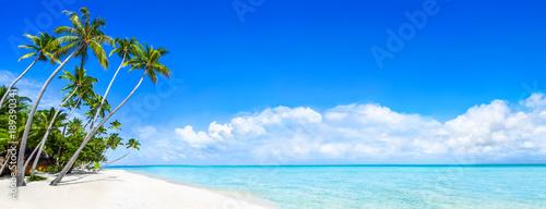 Strand Panorama als Hintergrund für den Urlaub - 189390341