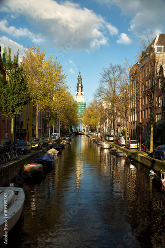Foto Murales Church and canal in Amsterdam