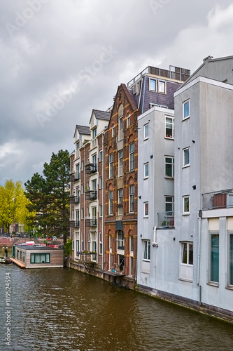 Deurstickers Amsterdam Residential Houses along the Canal