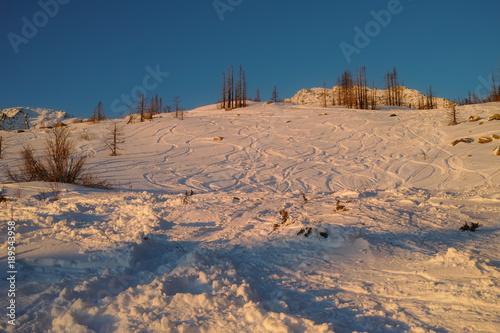 Fotobehang Zalm Mountain at sunrise
