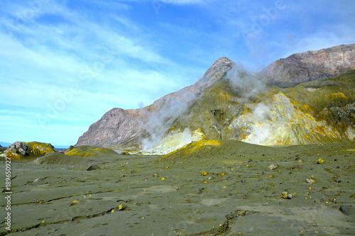 Fotobehang Khaki Volcano