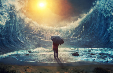 Large waves and woman © Kevin Carden