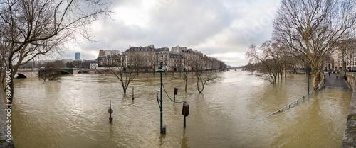 Flood of the Seine 2018 in Paris France - 189940900