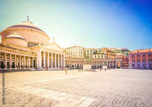 Foto Murales Piazza del Plebiscito, Naples Italy
