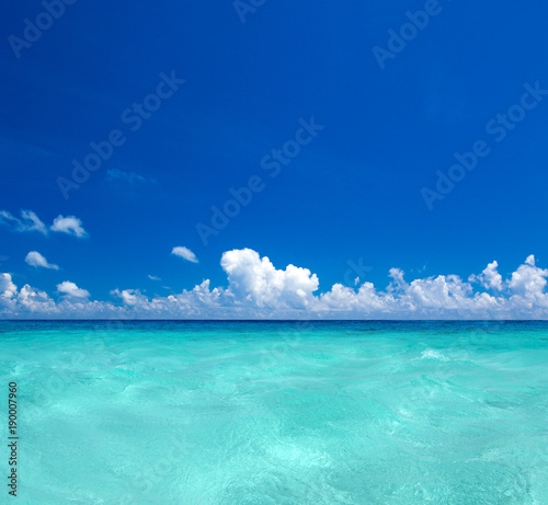 Papiers peints Turquoise beach and tropical sea
