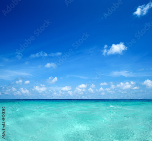 Foto op Plexiglas Turkoois beach and tropical sea