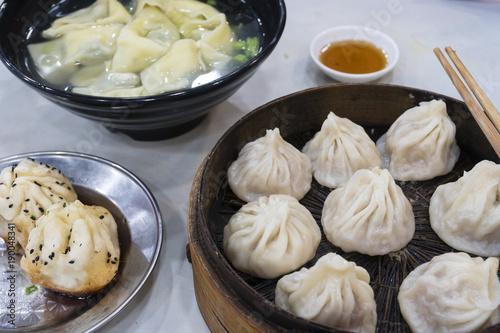 Papiers peints Shanghai Shanghai dumpling, wonton and xiaolongbao