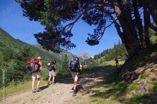 Randonneurs dans les Pyrénées Orientales