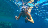 girl and snorkeling - 190115978