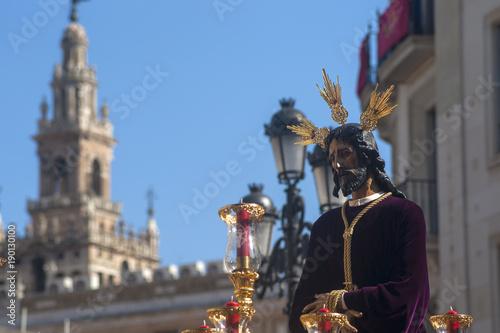 Jesús cautivo en la procesión de la semana santa de Sevilla