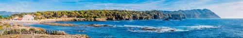 Foto op Plexiglas Panoramafoto s Panorama depuis les Iles du Gaou à Six-Fours-les-Plages, le Brusc