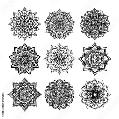 Set of round hand drawn mandala on white isolated background. Vector hipster mandala in monochrome. Mandala with floral patterns. Yoga template. - 190273555