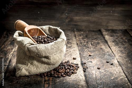 Papiers peints Café en grains Grain coffee in a bag.