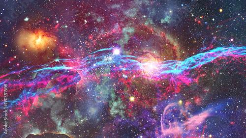 mglawica-i-galaktyka-w-kosmosie-elementy-tego-obrazu-dostarczone-przez-nasa