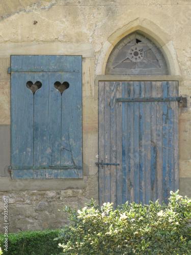 Puerta y ventana, Francia